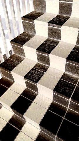 写真・ストライプの階段.JPG