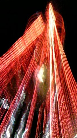 赤い放射状の光.jpg