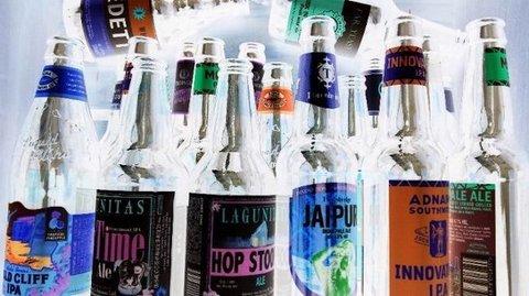 写真・たくさんのビール瓶.JPG