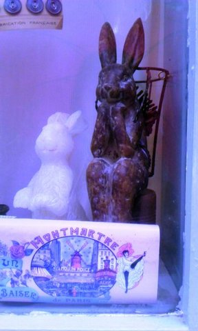 写真・ウサギの置物.jpg