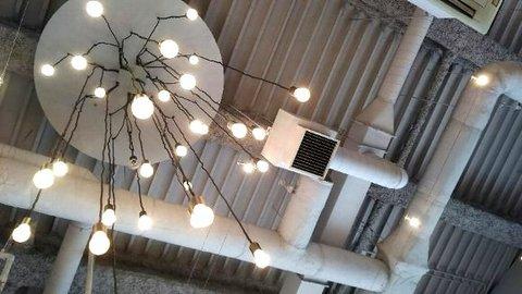 写真・カフェの天井.JPG