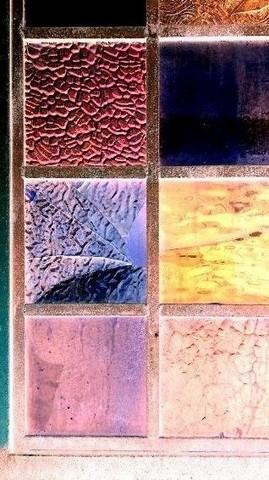 写真・色ガラスの窓.JPG