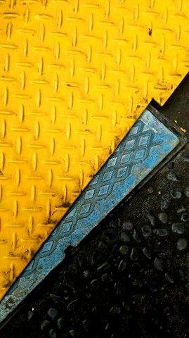 写真・黄色と水色.JPG